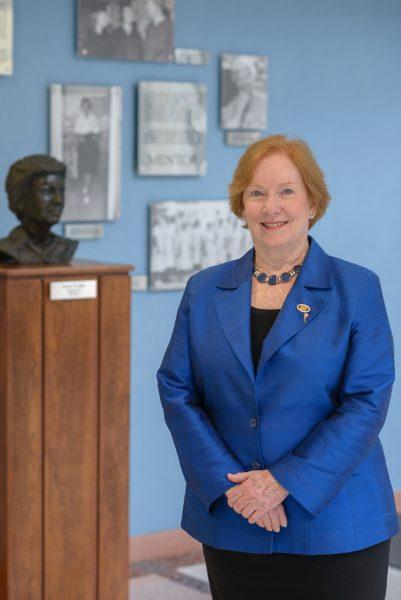 Linda Aiken, Distinguished Alumna, Nursing